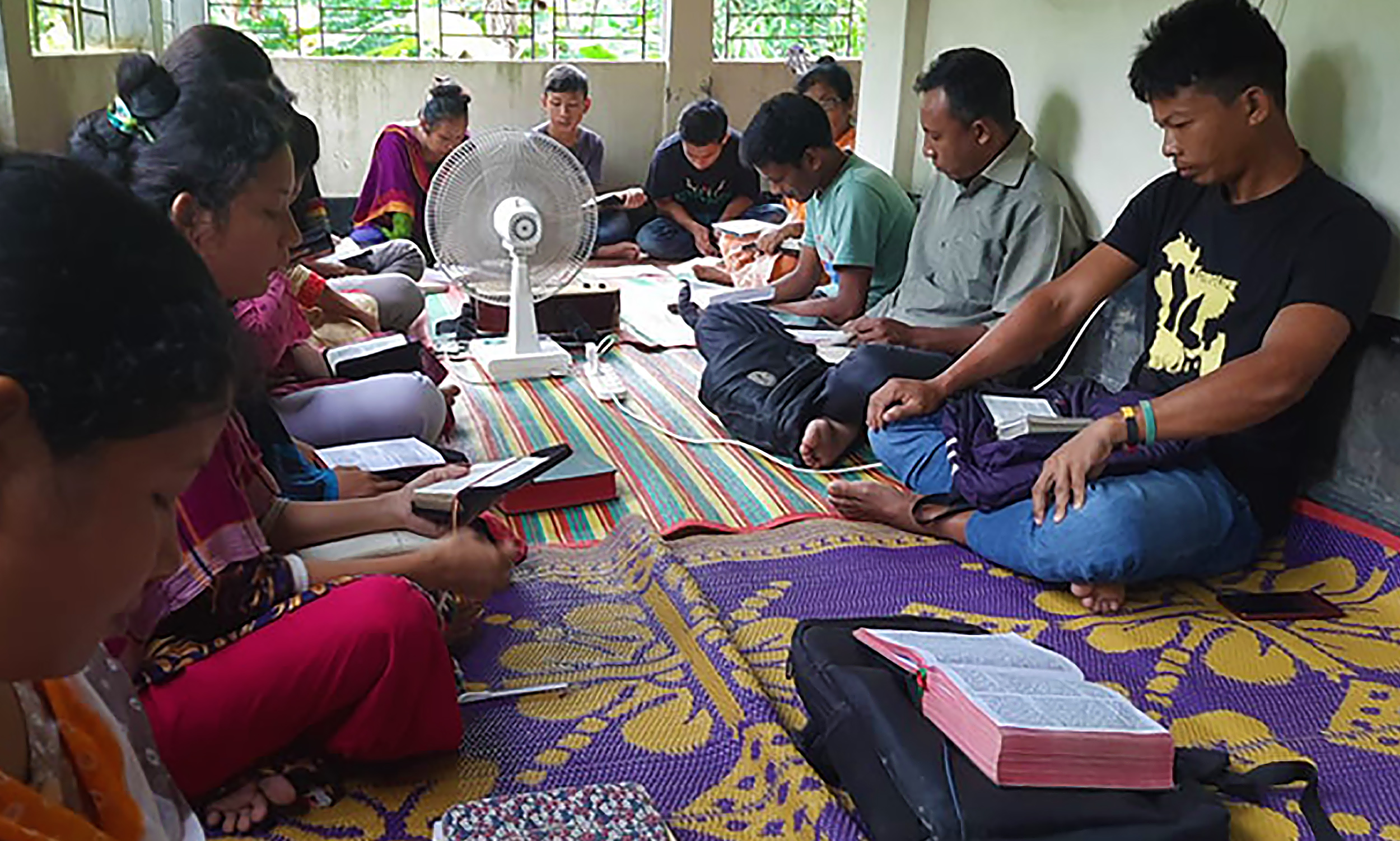 """""""We want to see Jesus"""" – Stories of Growing Faith in South Asia"""